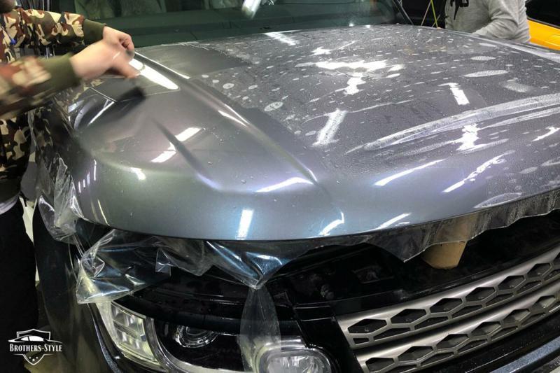 Оклейка автомобиля защитной стайлинг пленкой с преламутром DYNOprism